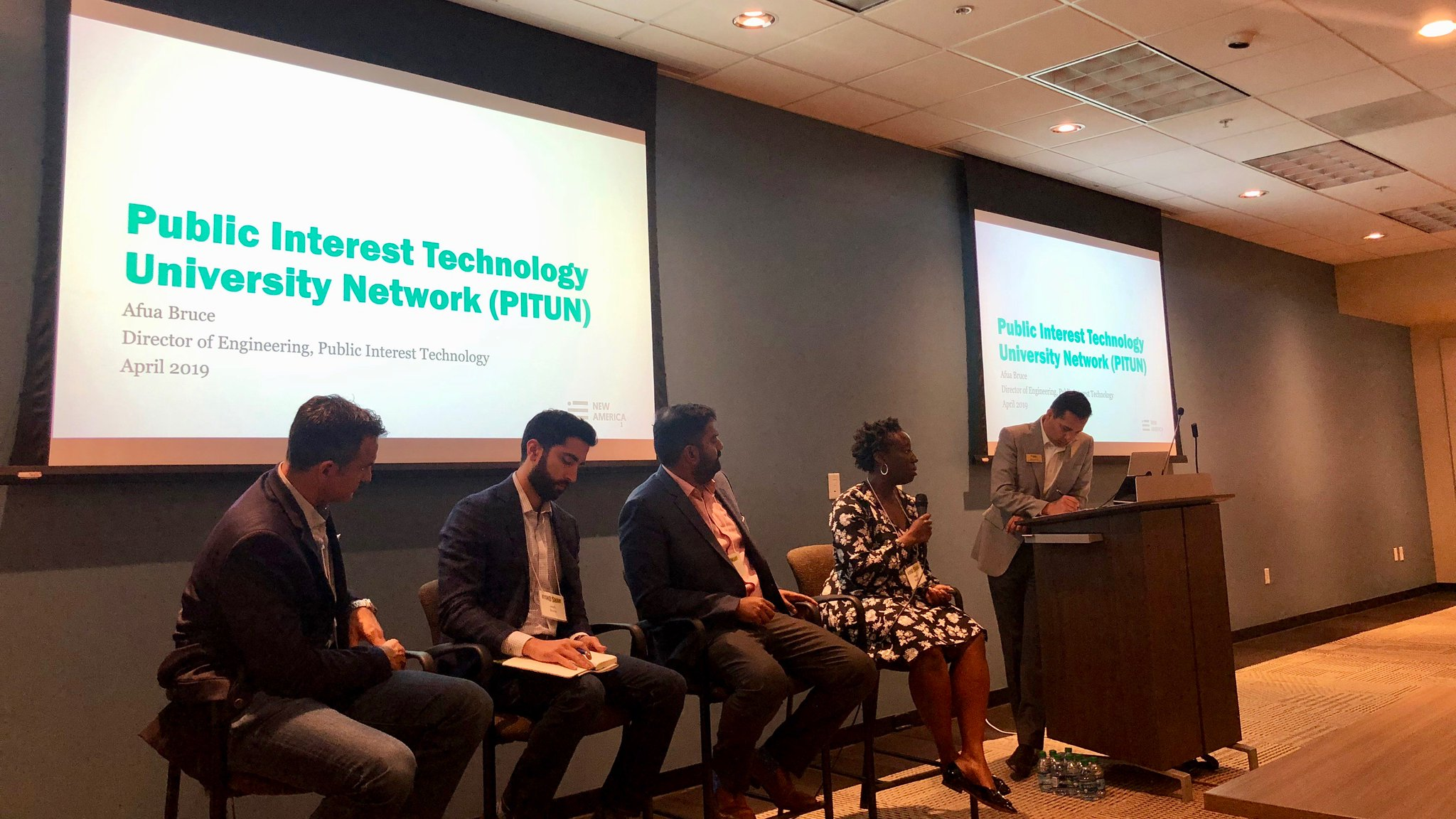 Next, @afua_bruce presents about the Public Interest Technology Network (PITN), which was formed to bring together technology design & policy across a cross-section of Universities HT @NewAmericaPIT #beyondsmart https://t.co/L0yPiS1JCj