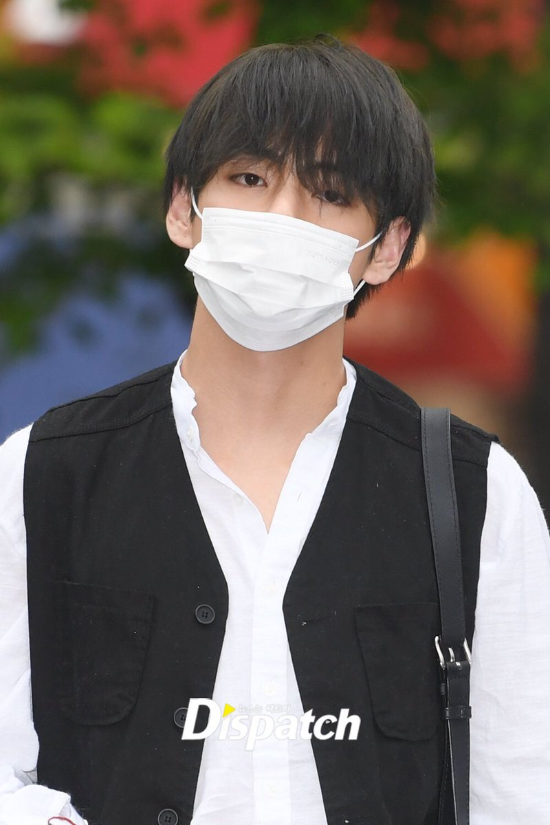 RT @Awake_Aileen: I don't think Kim Taehyung is done torturing all of us. @BTS_twt #BBMAsTopSocial BTS https://t.co/bxzVvcqQU6