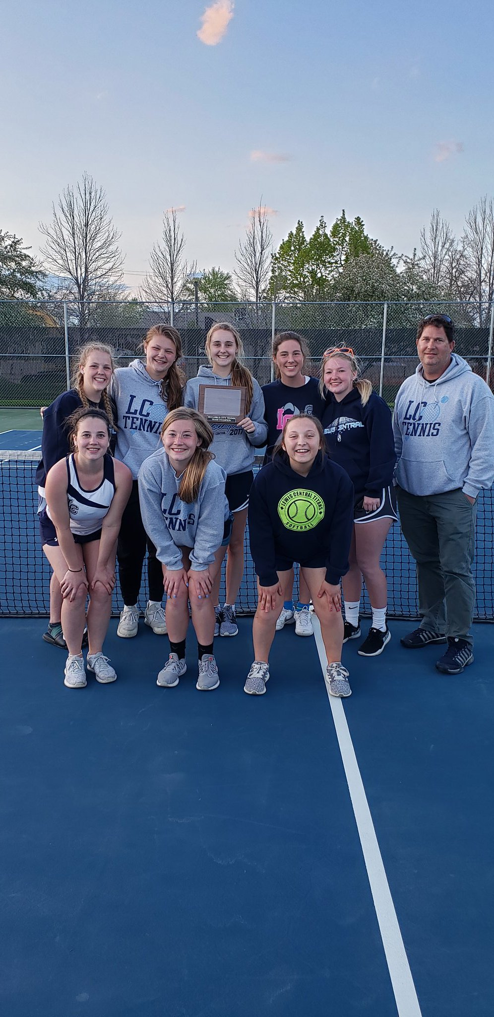 LC dominated the city tournament winning at #1, 2, 3 & 4 singles and 1 & 2 doubles.  @KMASports @LewisCentralCSD @KWhiteOWH @nonpareilonline https://t.co/UFr2wNAXDC