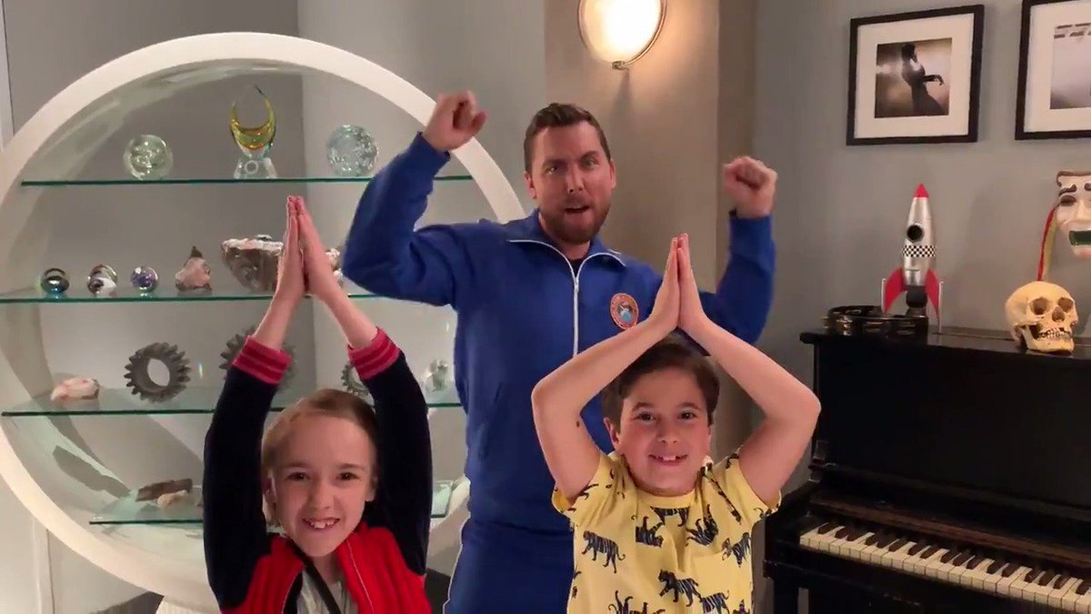 RT @SingleParentsTV: Are you ready for @LanceBass Space Camp!? ???????? #SingleParents https://t.co/JEU1zjH8Zn