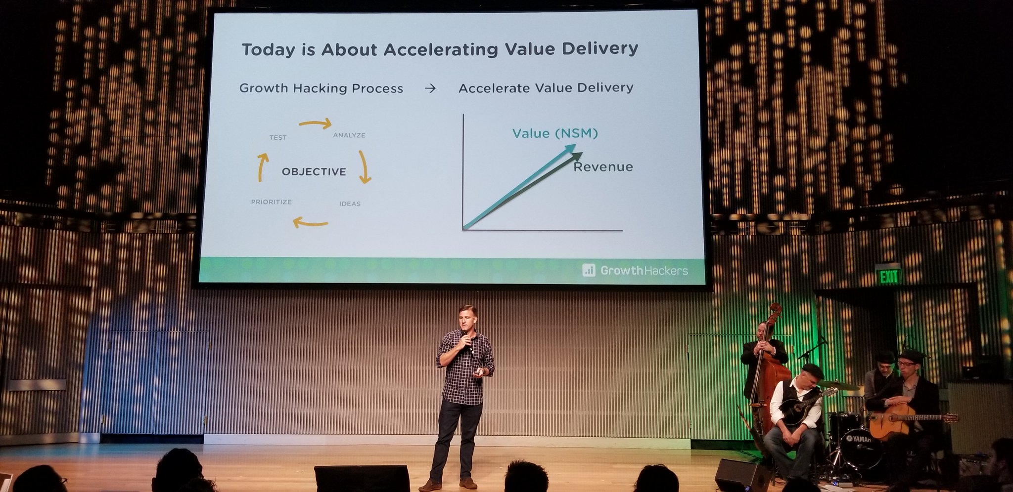 Highlights from #GHConf19 so far: @SeanEllis on #growthhacking and a preview of what we're learning today with @GrowthHackers! https://t.co/FFAhPFyoSO
