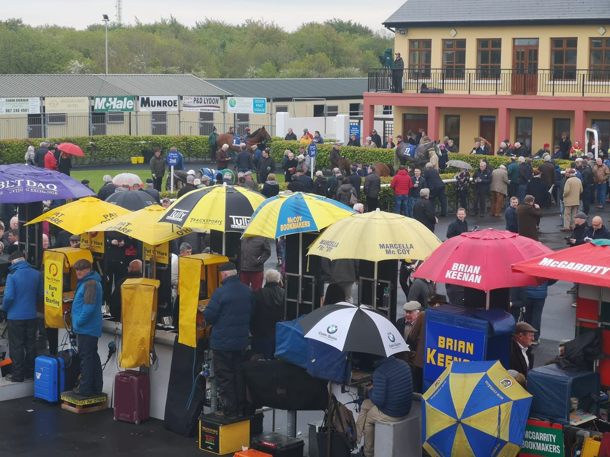 test Twitter Media - We were delighted to be back @BallinrobeRaces today! https://t.co/FD1Fh1Cveo
