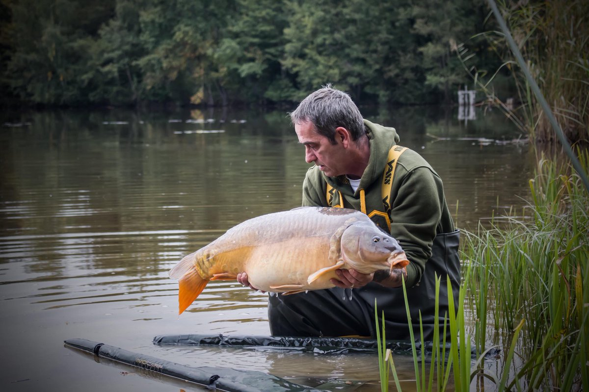 A good day out for Mario. #vasswaders #carpfishing #WednesdayMotivation https://t.co/3M2reuTiTR