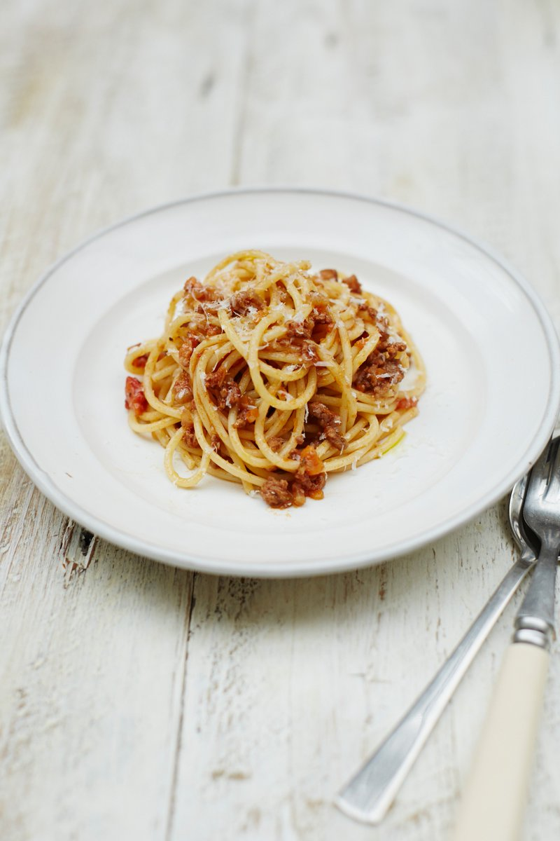 For everyone else, it's spag bol tonight...! ????  Get the recipe here >>> https://t.co/Zul02BdKA9 #SpaghettiBolognese https://t.co/z4fxheCwaw
