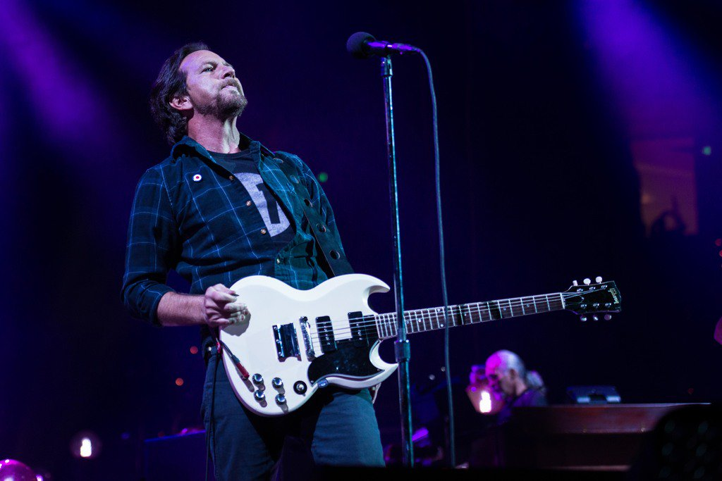 """""""In this day and age, it's very important that people are active enough to where they not only feel like they have a voice but they do have a voice."""" - #EddieVedder  📷: Glenn Hirsch https://t.co/IiLEUyN7p8"""