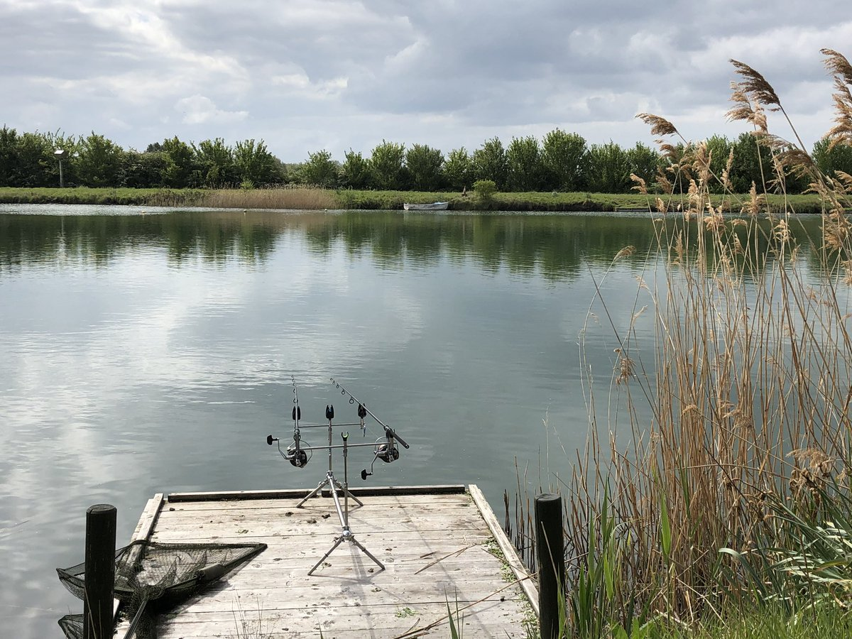 Another great day down the lake,4fish on the bank so far biggest 12lb common #carpfishing https://t.
