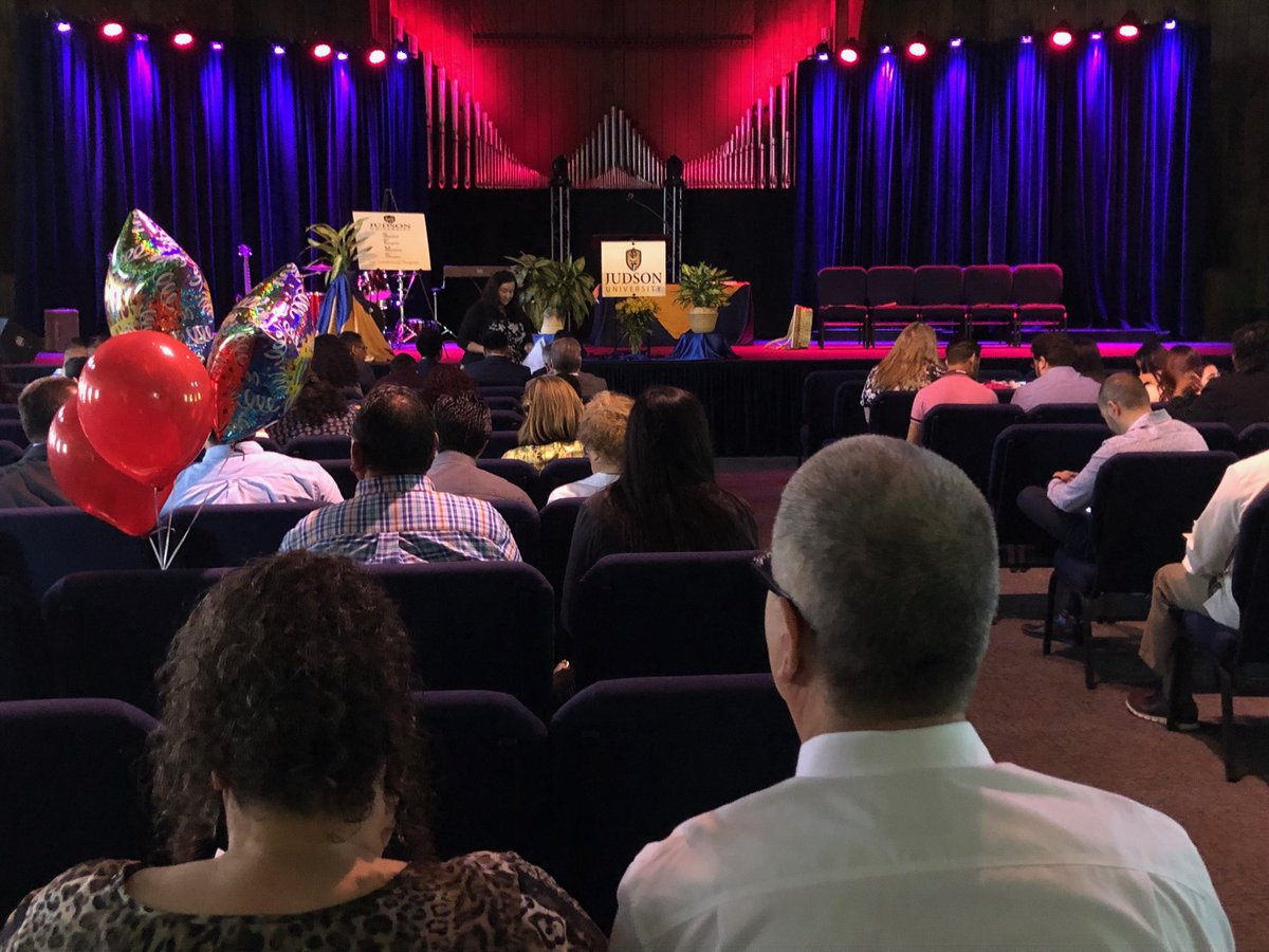 Judson's ready to celebrate with the 16 graduates of the Spanish-English Ministry program. #judsonawesome https://t.co/XSXqaysISc