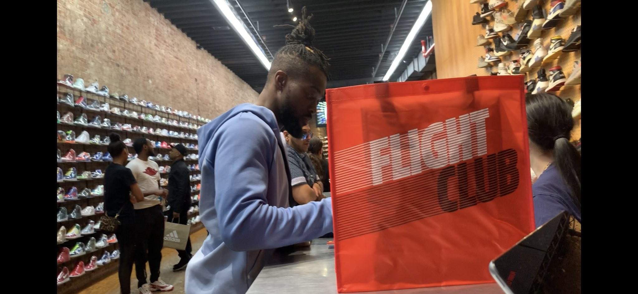 RT @TrueKofi: Touched down in NY and just picked out the perfect pair of shoes to kick ass in tomorrow. Now we're officially ready! #mitb  @flightclub https://t.co/rJYysmdrOL