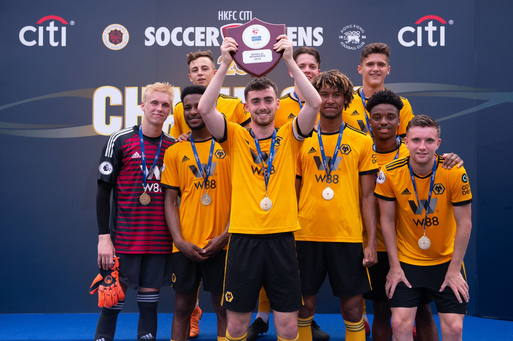 The lads are bringing the @hksoccer7s Shield home. #WolvesAcademy  🏆👏 https://t.co/gkZIZqsacm