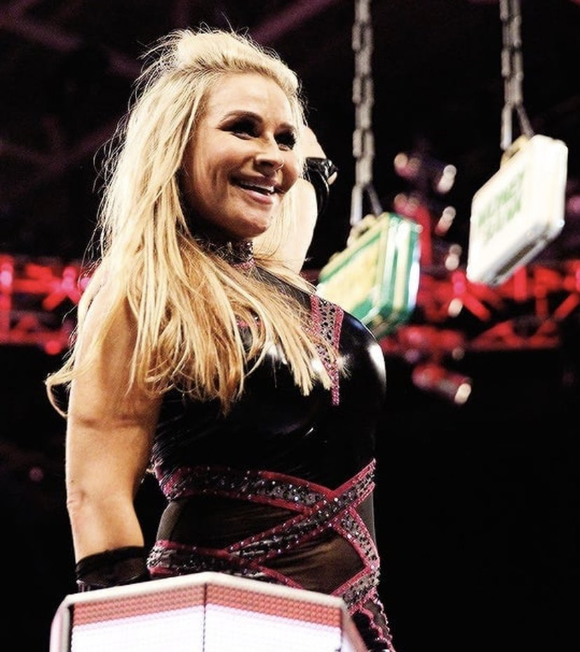 RT @NatbyNature: Going into my 4th MITB ladder match, the most of any woman in @WWE history. One thing I know for sure, reaching your dreams isn't something that happens in one try. It takes years  of dedication, persistence, falling and building yourself back up to get to the top. Keep reaching— https://t.co/wynWD8Excy