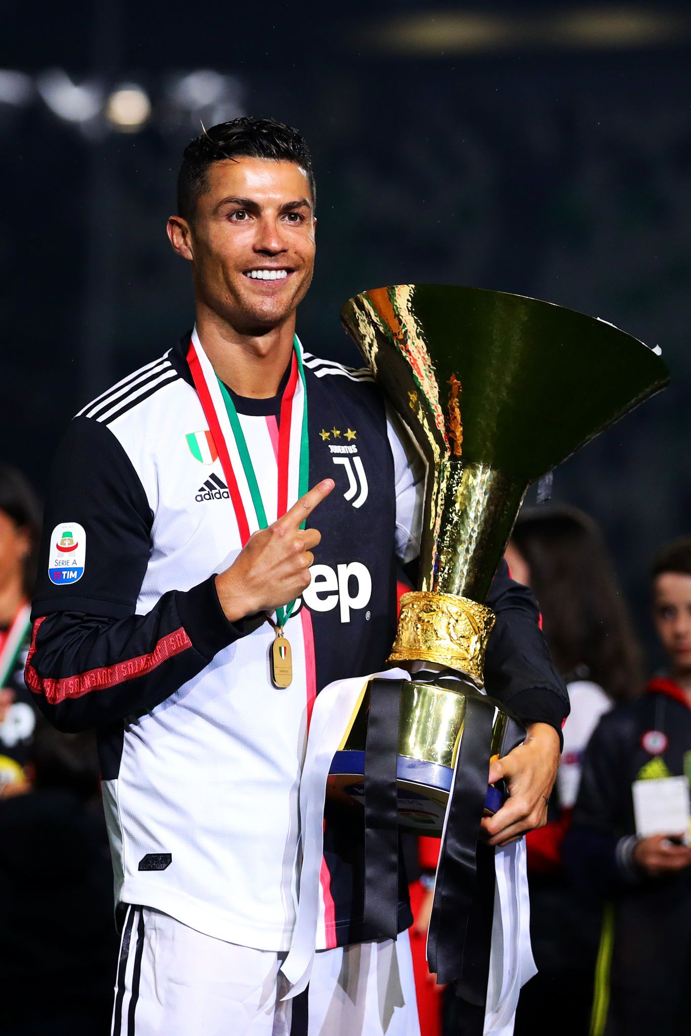 The first & only player to win the league titles in England, Spain & now Italy. https://t.co/3DMIkLIepl