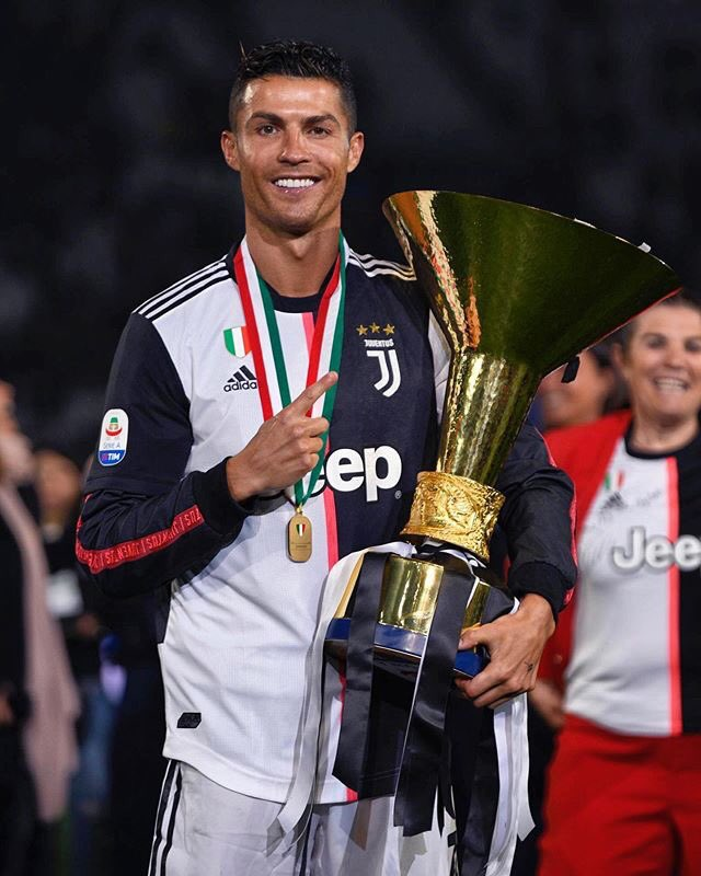 Very happy to win the second trophie for @juventusfc and my first Serie A championship!???? #finoallafine https://t.co/CPWToe8JiJ