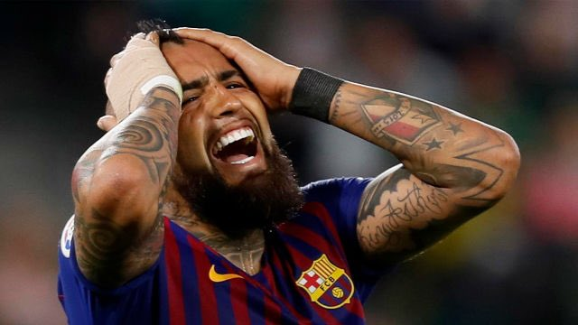"After Barca's first leg win, Arturo Vidal was asked about a potential Liverpool comeback. His response:  ""I will donate my left testicle if Liverpool qualify & the right one to Real Madrid fans that supported them"" https://t.co/6XSNjUglT6"