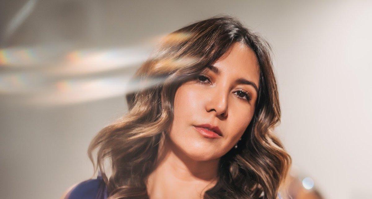 """test Twitter Media - .@ifranzani estuvo conversando en #ViajeSinRumbo con @margusmusic, la cantante nominada al premio Pulsar a Mejor Artista Pop Balada, habló acerca de su disco """"Mala Hierba"""", que incluye los singles """"Bancarrota"""" y """"Muero de amor"""" 👉 https://t.co/b0xWpSfiSH https://t.co/WRQEPuOiBk"""