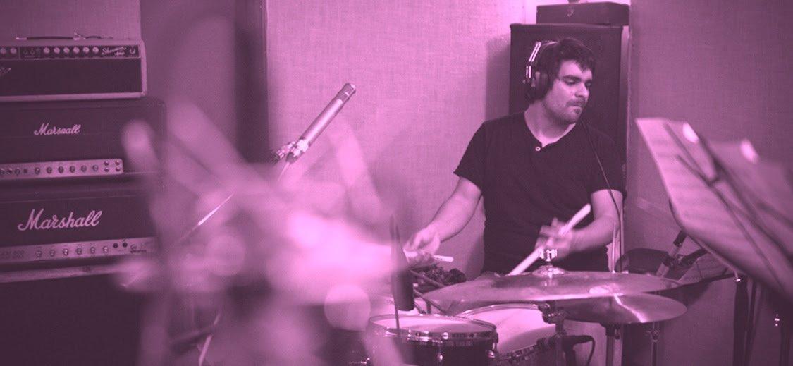 test Twitter Media - Esta semana #SuiteRecoleta revisa el trabajo del baterista Rodrigo Recabarren y su trío Mural, banda conformada por Aki Ishiguro en guitarra y Peter Schwebs en contrabajo, en Nueva York, ciudad en la que vive hace casi una década -> https://t.co/h6dKxjxBAX https://t.co/tqCgLVlX6z