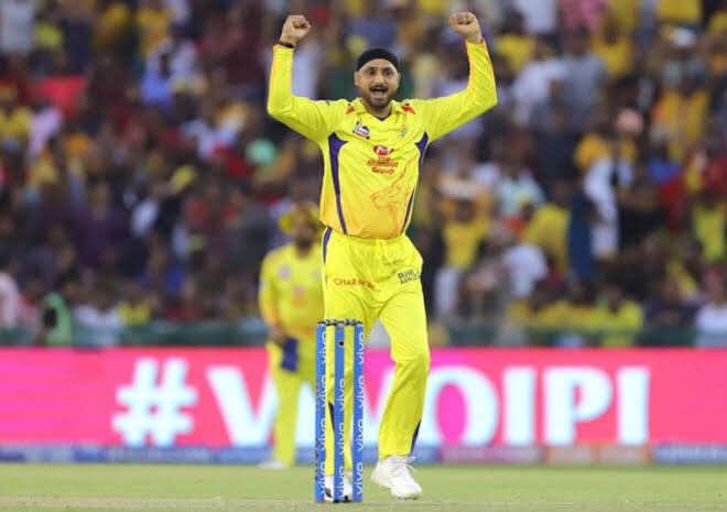 Congratulations bhajju pa @harbhajan_singh for 150 wickets in IPL. Many more to come! 🤞 https://t.co/strJ82cVTq