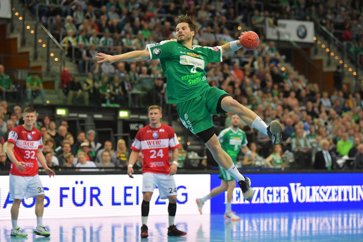 +++LIVE+++Die DHfK-Handballer erkämpfen sich mit Hilfe der 4124 Zuschauer in der ARENA Leipzig einen Punkt gegen den Bergischen HC! 25:25 heißt es am Ende. https://t.co/hnsNetIrbh