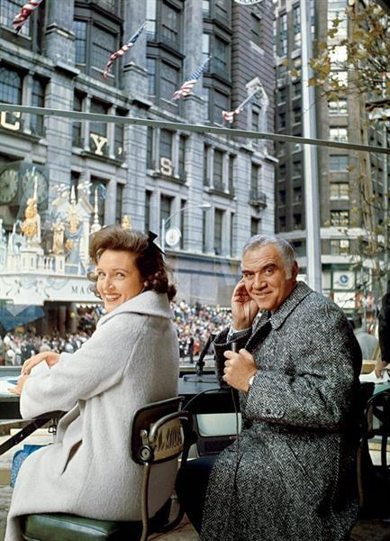 1965 Macy's Thanksgiving Day Parade. Hosted by Betty White and Lorne Greene. https://t.co/Ta9QxJiyLb
