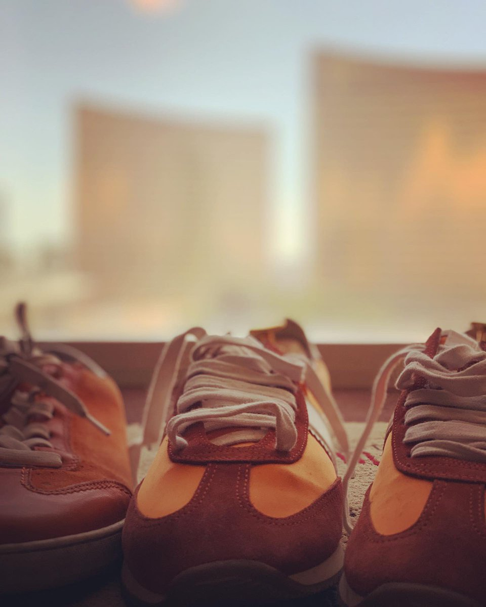 miverma: That time of the year again :) #OrangeSneakers for @magento Imagine 😎 #RoadtoImagine #MagentImagine https://t.co/GxiAvHOvaX