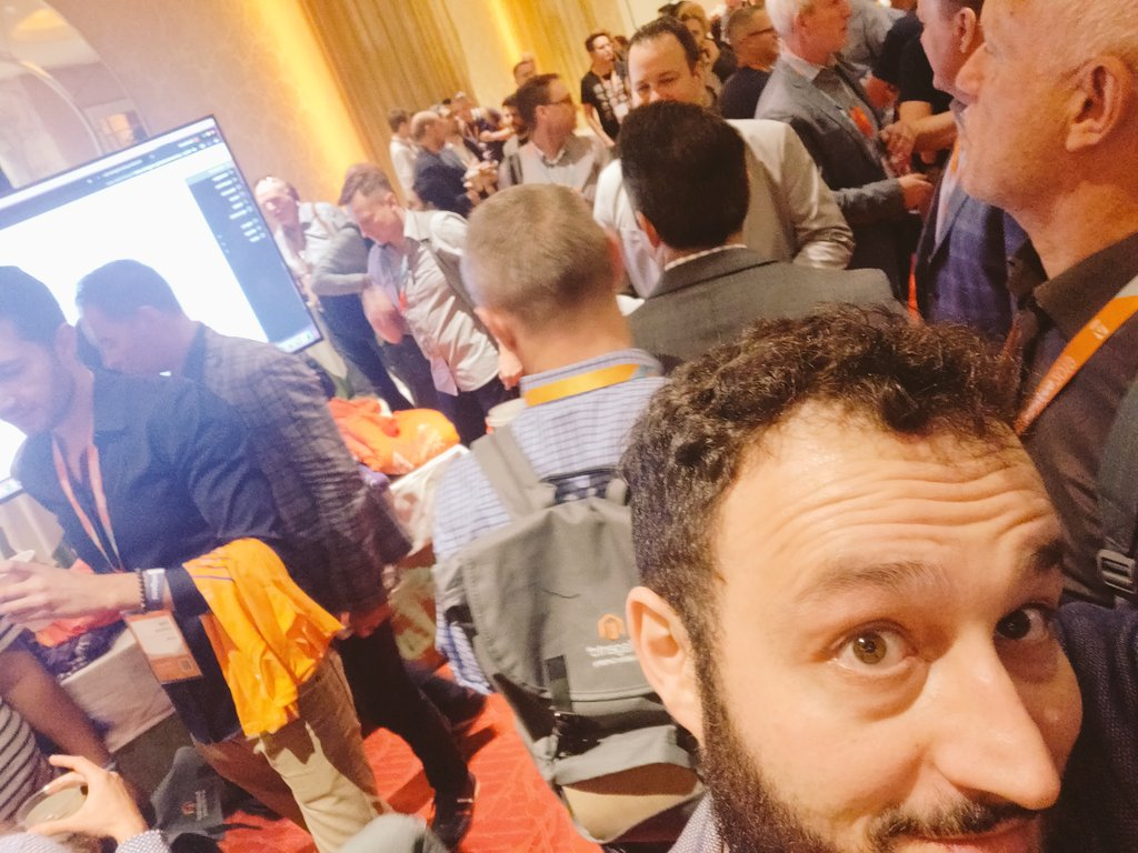 midimarcus: Ready for a crowded @magento partner summit at #MagentoImagine cc/ @magespecialist https://t.co/69w7FNjPI2