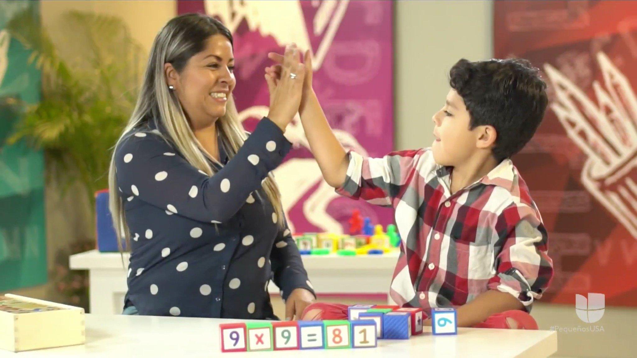 Paulo, uno de nuestros #PequeñosGigantes, es un excelente bailarín pero también le gustan las matemáticas. Su madre le enseñó a sumar y a restar jugando. Si necesitas ideas para tus hijos manda un mensaje con la palabra 'CONSEJOS' al 26262 y recibirás información gratuita. https://t.co/zOPvL3wKc1