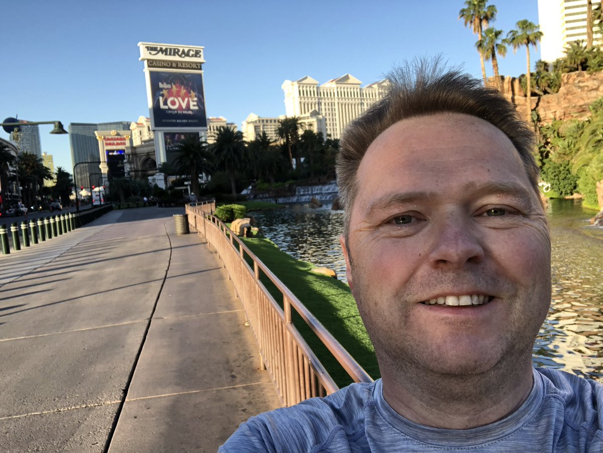 FutureDeryck: Another sweaty run! It hot here even at 6.30am!! Now ready for day 1 #MagentoImagine https://t.co/1qg00OFExm