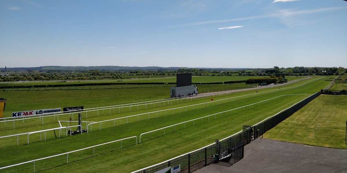 test Twitter Media - @RoscommonRaces looking fantastic ahead of racing today ! https://t.co/5UrBbYPWoD