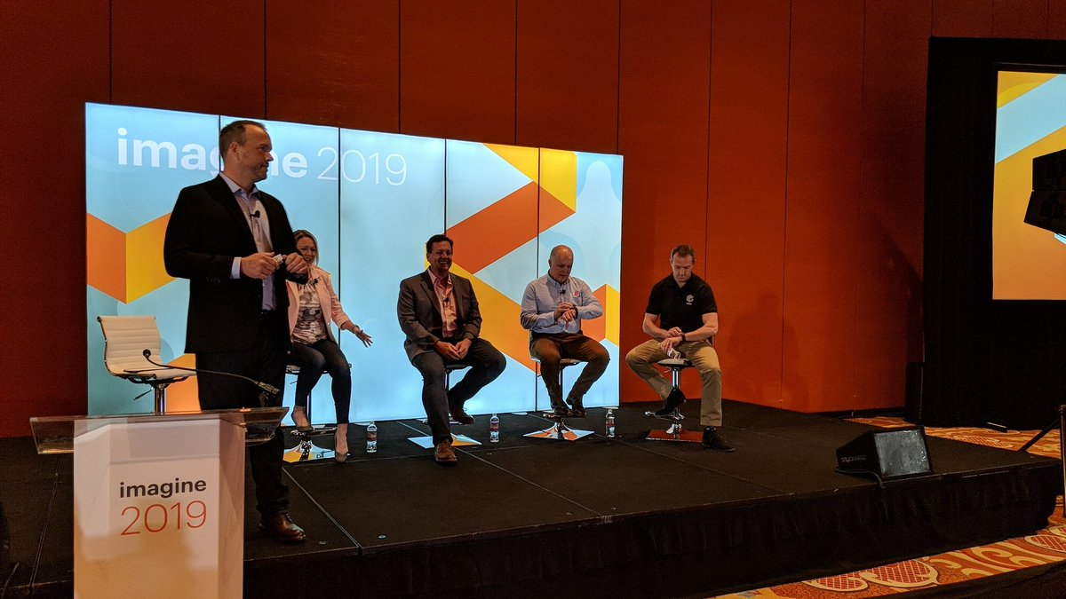 gene_commerce: Kicking off #MagentoImagine with the PayPal mobile optimisation panel. https://t.co/0ANUFC800n