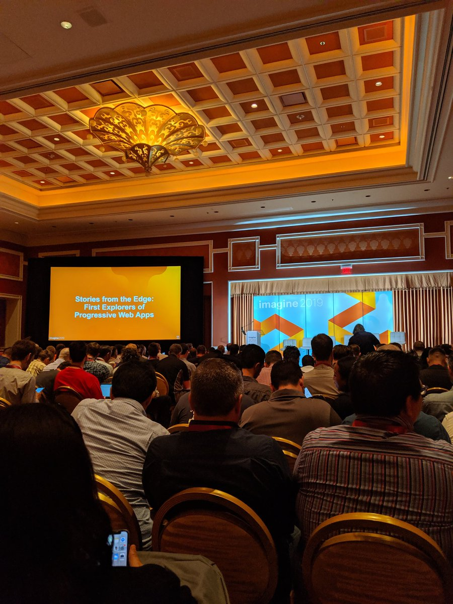 jasonevans1: First #MagentoImagine session is about to begin and it is packed. https://t.co/floMBtdFaC