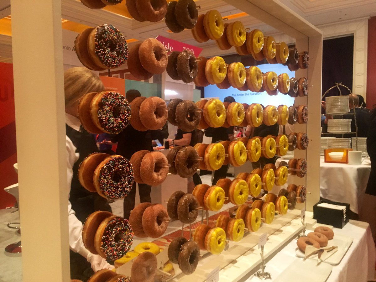 benmarks: Doughnut miss the excellent networking in the #MagentoImagine marketplace! https://t.co/F27lY2kBuG