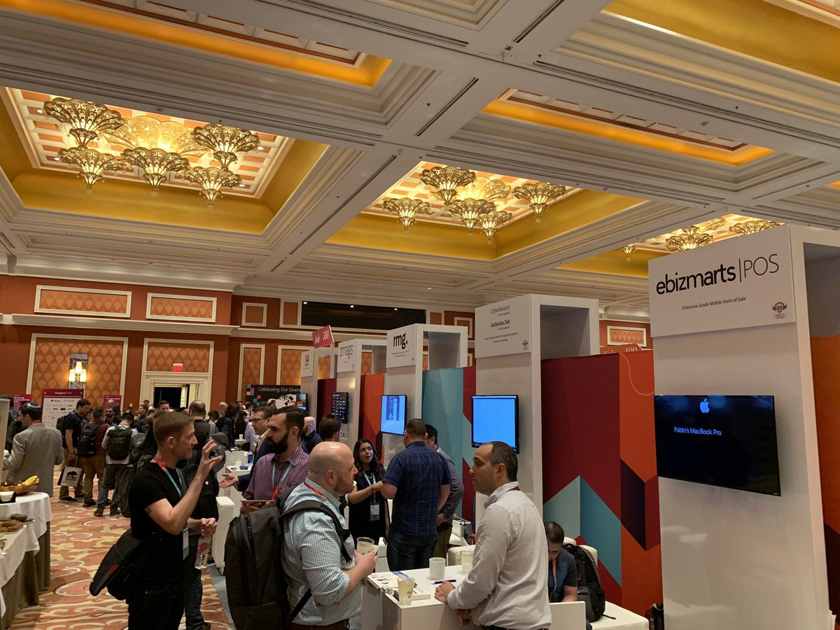 ebizmarts: Not even 15 minutes since doors opened and Marketplace is already packed! #MagentoImagine https://t.co/3vNRzNzpaC