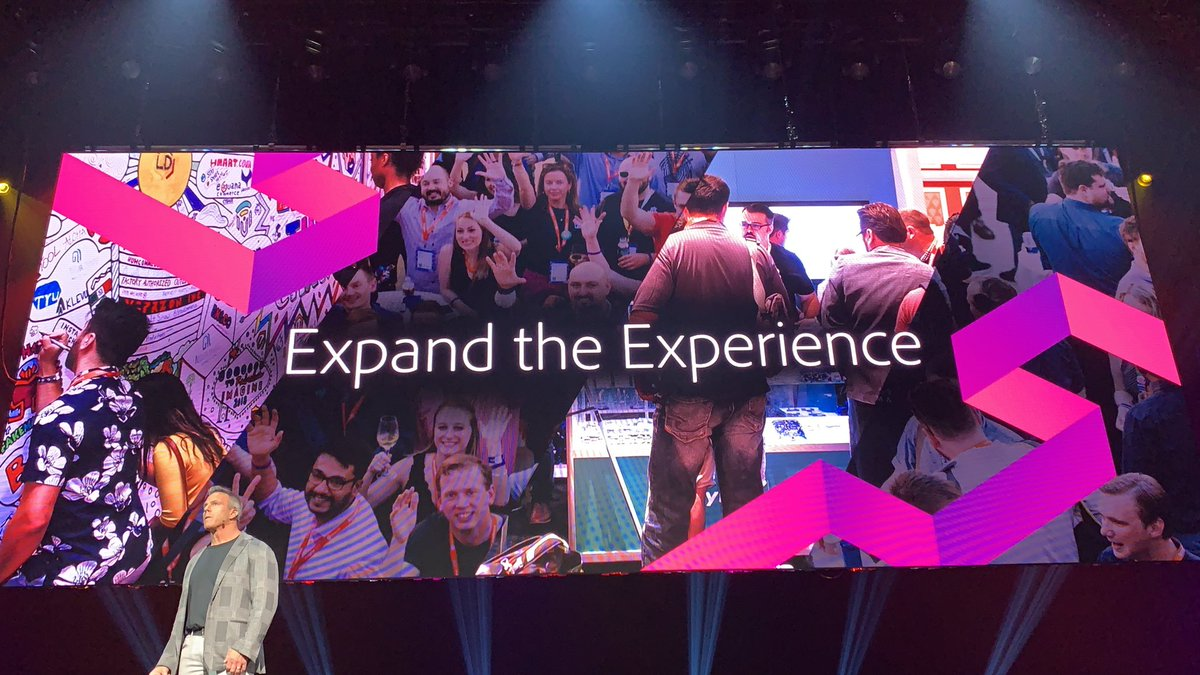 slkra: The slides at #MagentoImagine this year are even more beautiful than ever. Great job, design team! https://t.co/KKOX7lEtdr