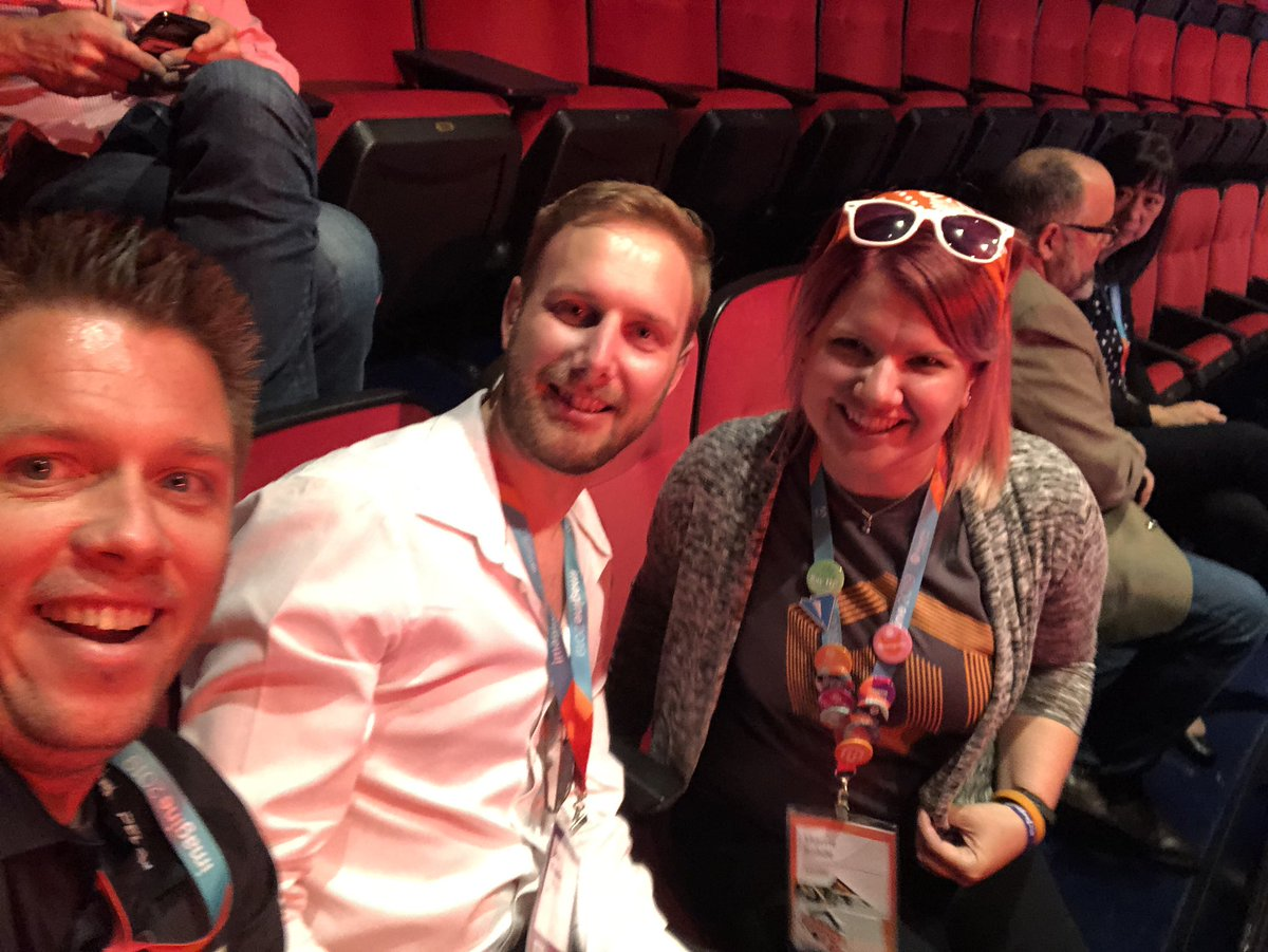 sherrierohde: Ready for the General Session to start with @df2002 and @knowj! #MagentoImagine https://t.co/bt1C6LnaNK