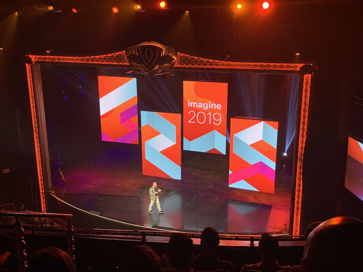 Creatuity: @gspecter just came up through the floor! I repeat @gspecter just came up through the floor! #MagentoImagine https://t.co/msxWIYHSN8