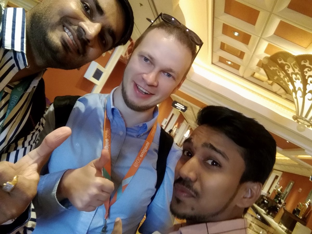 RakeshJesadiya: Met @max_pronko one of the well known payment extension developer for a Magento #MagentoImagine with @mittalmanishm https://t.co/0hz2LyGWkr