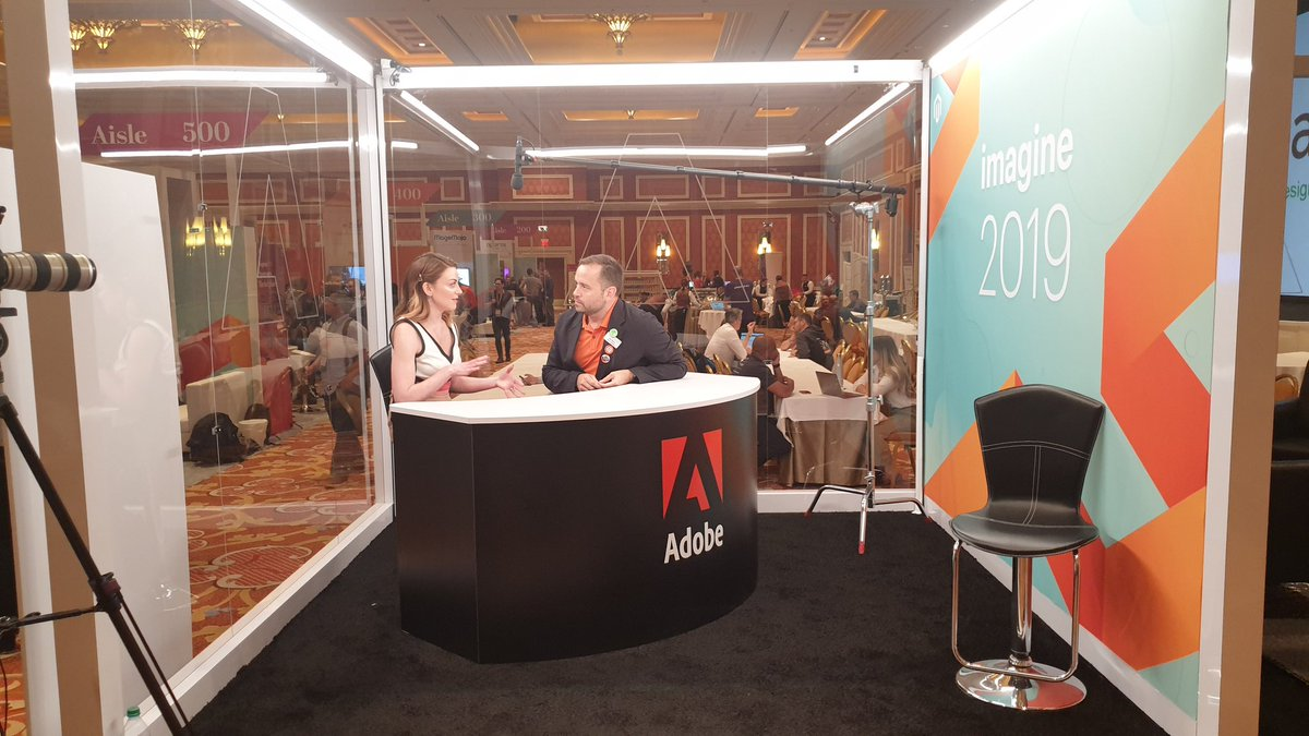 guido: .@benmarks doing what he does best: talking! (about @magentoassoc) #MagentoImagine https://t.co/tJrrM61FCz