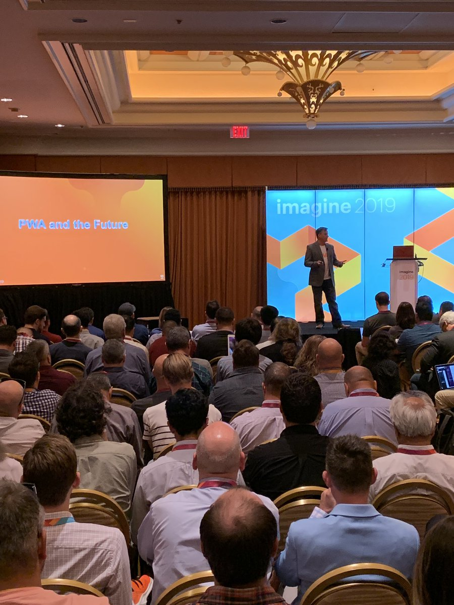 PToothaker: Packed house at the PWA Product Preview at #MagentoImagine. @ericerway knows how to draw a crowd. https://t.co/eb1LKiNZ3N