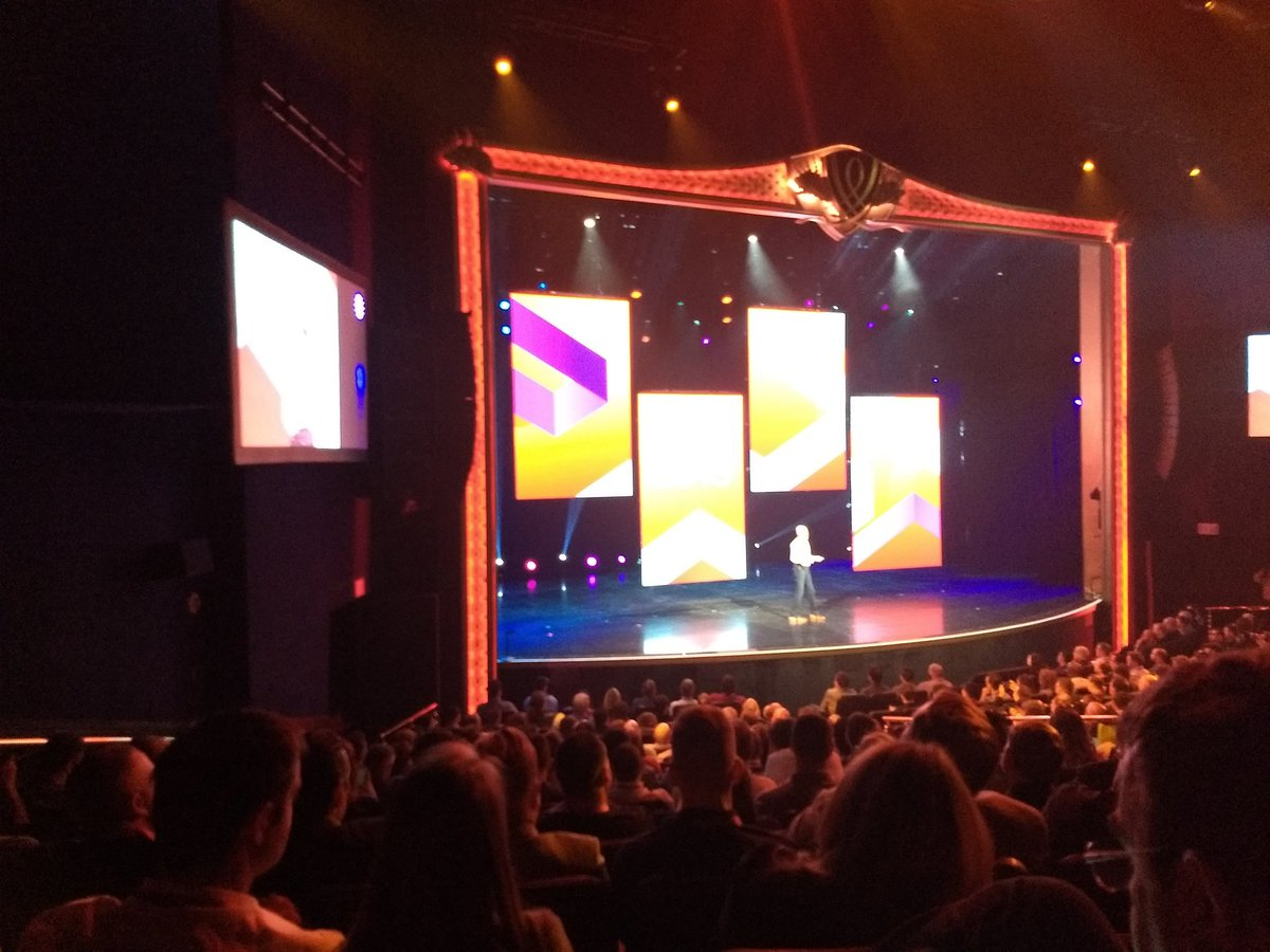 aleron75: It's time to welcome @jasonwoosley_mg on #MagentoImagine stage https://t.co/bKeGGmgzaN