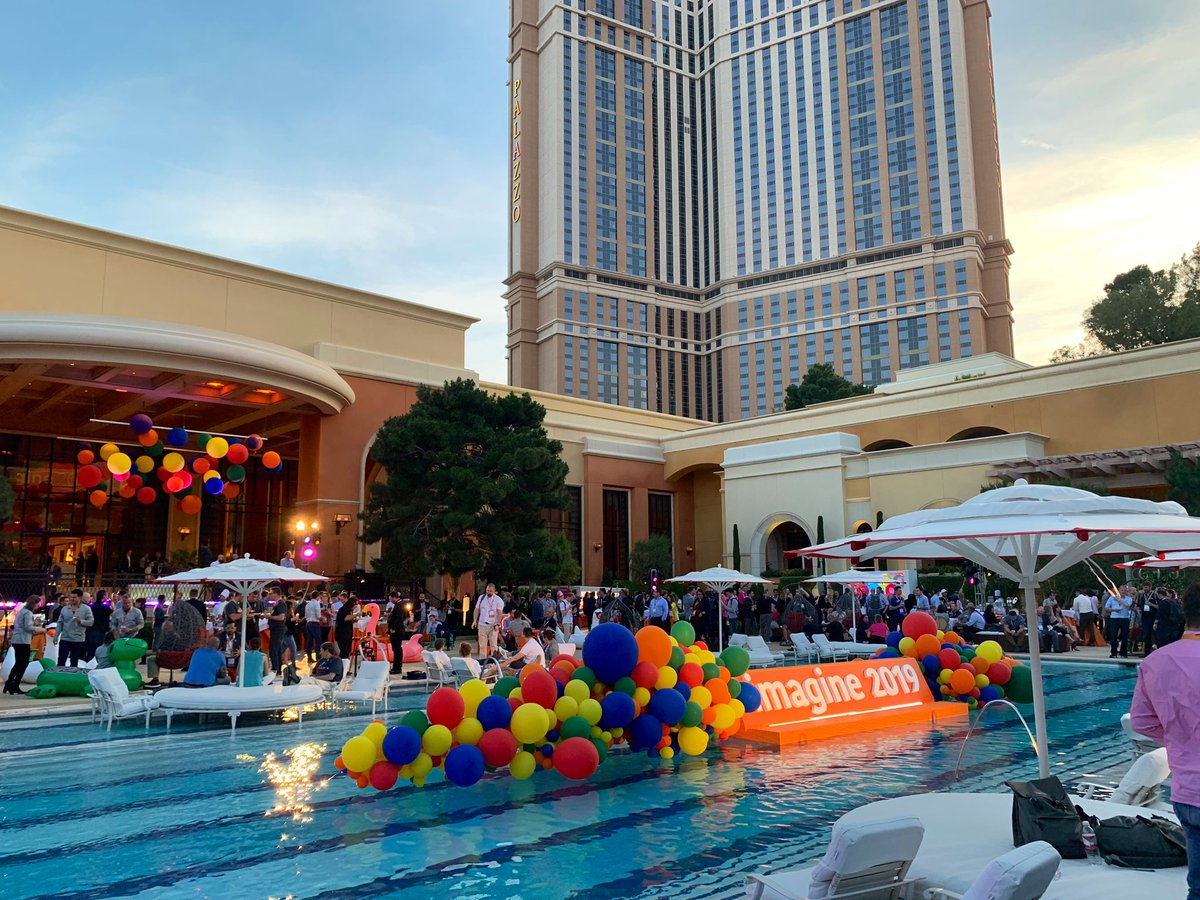 Creatuity: Great end to a great day! #magentoimagine https://t.co/Fu0uWCz6B3