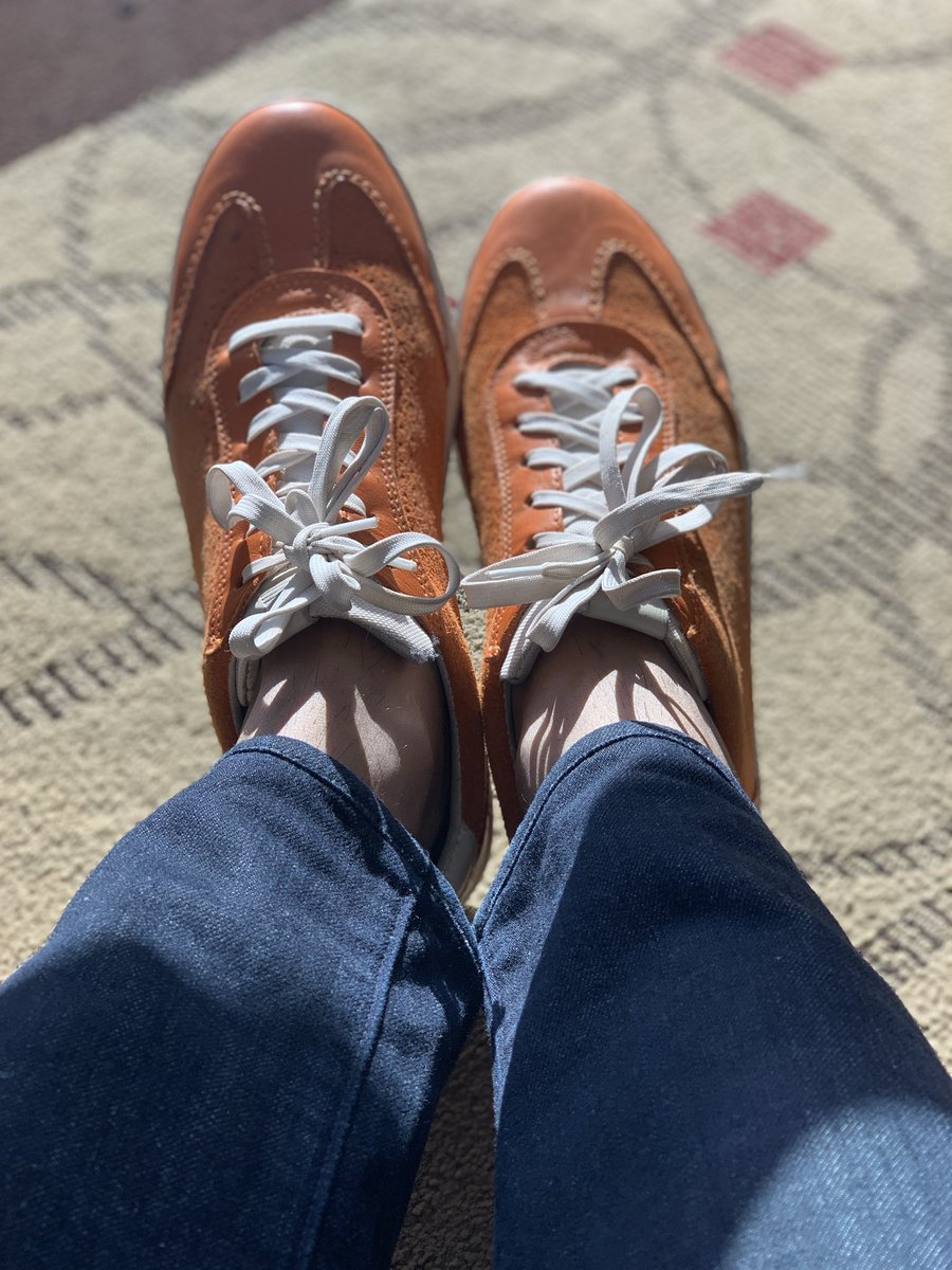 miverma: Happy Feet I Day 2 #MagentoImagine New Orange :) can't beat @philwinkle collection though 🙏🏽 https://t.co/EF11YZPEPe