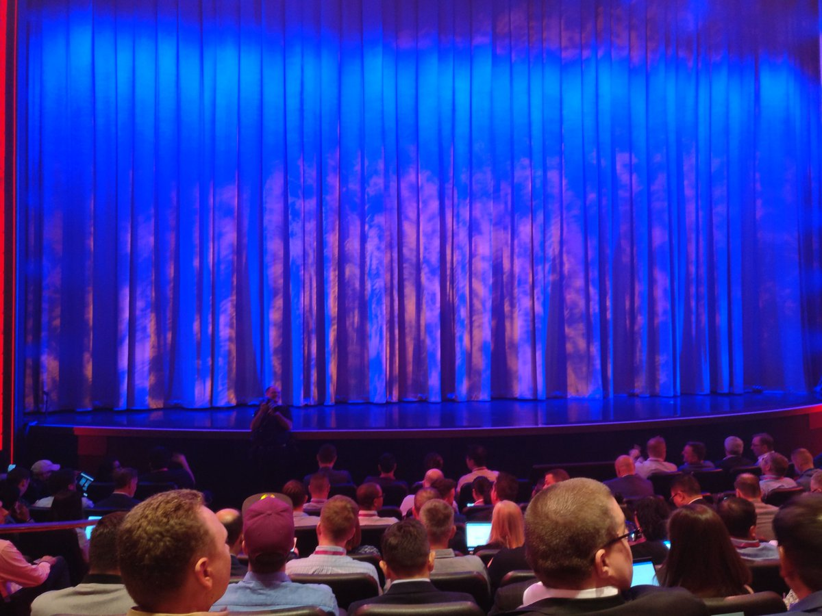 cmuench: We are waiting for the second keynote at #MagentoImagine. https://t.co/6GmpFrrc0V
