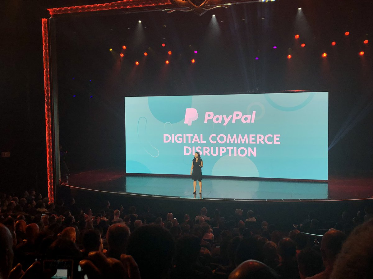 vaimoglobal: #MagentoImagine @thejennycheng from @PayPal talking about the evolution of commerce and smart payments. https://t.co/O3bhM4o2ge