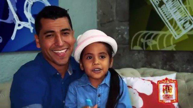 El padre de Beba, una de las capitanas de #PequeñosGigantes, recuerda cómo su hija fue estimulada desde que era una bebé. Ahora, disfruta mucho de cantar y recitar. Tu también puedes impulsar las habilidades de tus niños entre los 0 y 5 años de edad. Envía 'CONSEJOS' al 26262. https://t.co/vMsWie5g1v