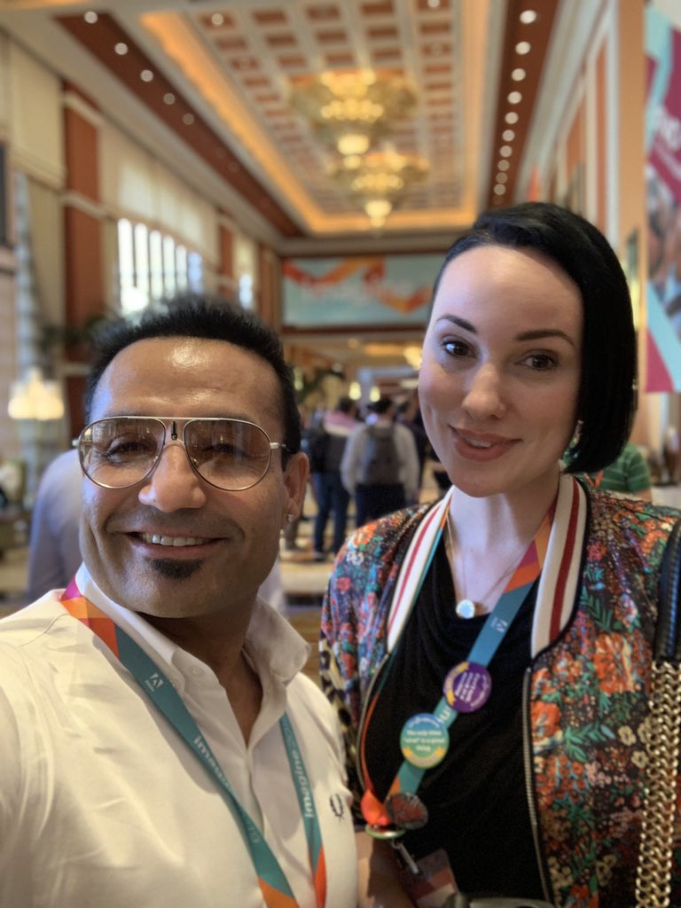 miverma: This tweet is more of a try to make the whole #MagentoImagine jealous through this selfie with @MissDestructo 😎😜 https://t.co/YzcJIfc2b1