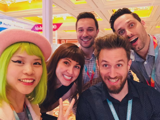 GoldieChan: We're hanging out in a mini-cube here at #MagentoImagine 💙💚🧡❤️💜 @magento https://t.co/mp1JvdUbTU