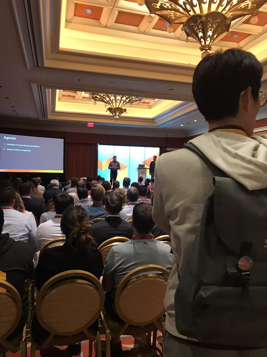 TorysOnTheBeach: Standing room only for AI Powered Product Recommendations for @magento at #Imagine2019 #MagentoImagine https://t.co/KOcntZHx7E