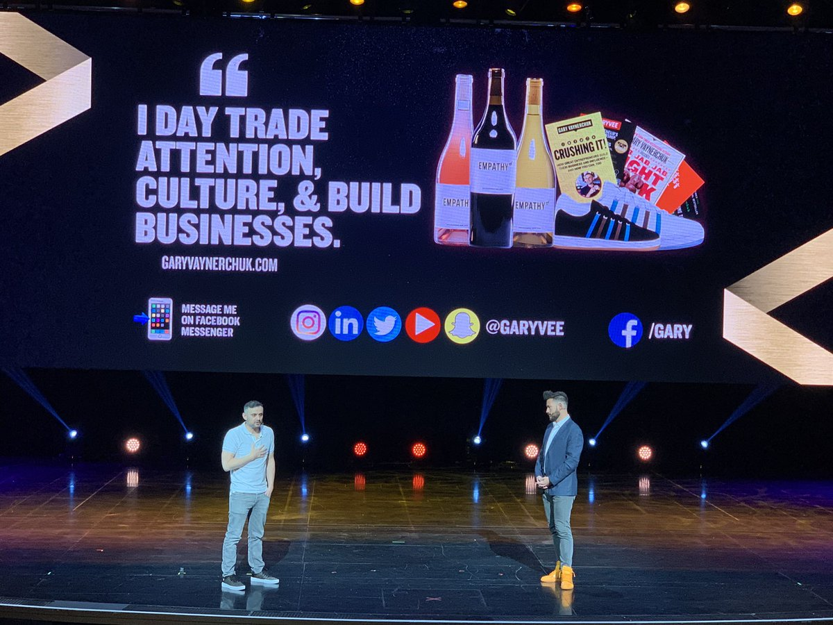 """kenbausch: #MagentoImagine """"I actually want to click a banner just to see what happens"""" states @garyvee https://t.co/2So6MTh41h"""