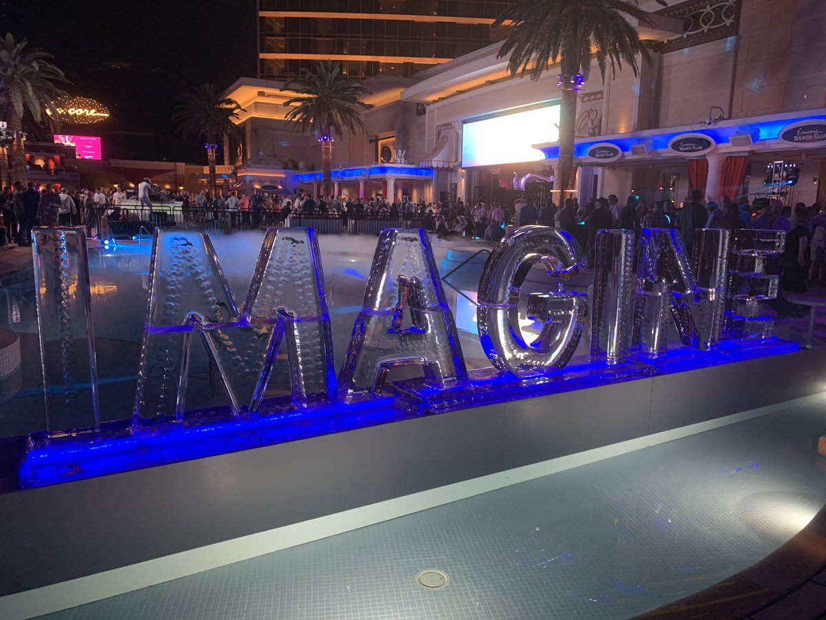 classyllama: As always, the Legendary Party at #MagentoImagine didn't disappoint. https://t.co/jHDiPY0u5M