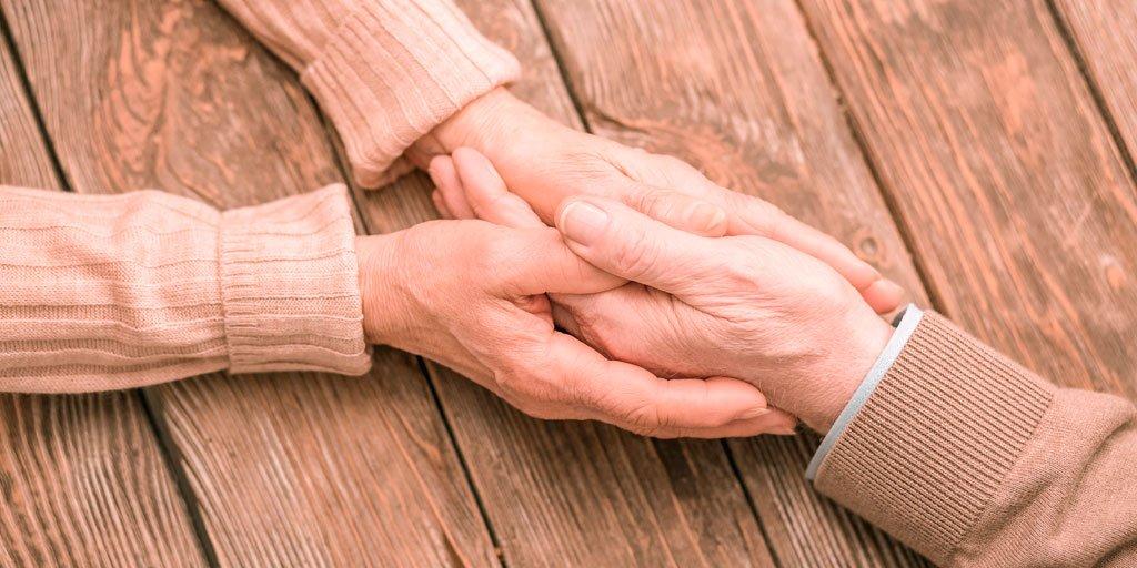 test Twitter Media - 📋En España se tarda una media de entre 1 y 5 años en diagnosticar la enfermedad del #Parkinson, incluso un 19% espera más de 5 años a recibir el diagnóstico definitivo, afirma el Presidente de @seggeriatria. Vía @GeriatricArea https://t.co/7HOnMnWhrk  #PersonasMayores https://t.co/AA78OJ6G0M