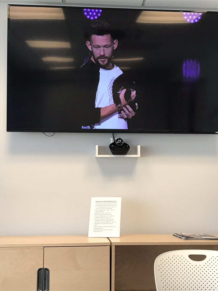 s_kenneally: Putting the #MagentoImagine live stream up on the big screen is almost as good as being there (but not quite). https://t.co/xwEs2R62gc